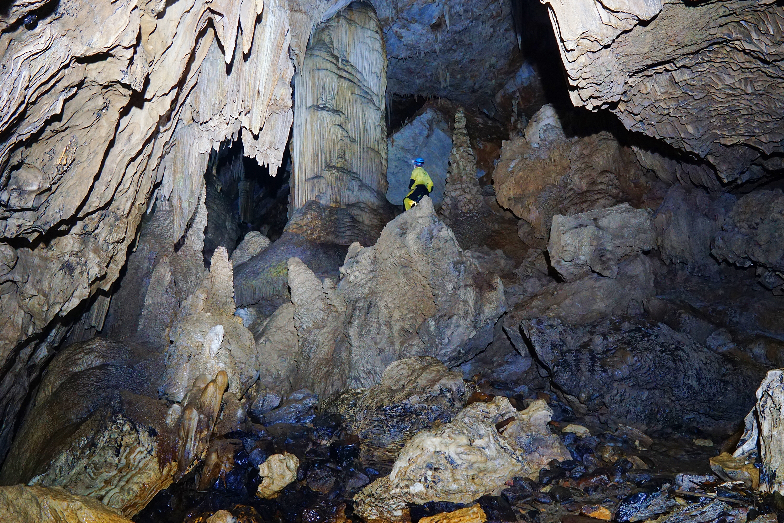 Caving in Brazil with Meandre Explo 1-b